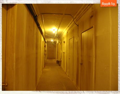 陰森可怕的地下室長廊