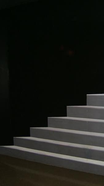 照片不像、但乍看之下真的很像階梯!