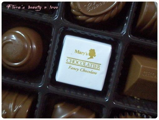 2009/06/04 uncle回台灣在日本轉機時買給阿華的巧克力