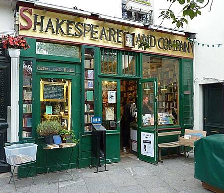 Shakespeare-and-Co.-Paris-Bookstore.jpg