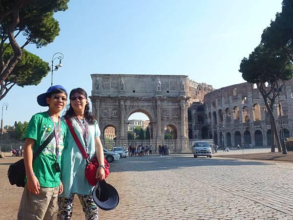 羅馬 君士坦丁凱旋門 (8).JPG