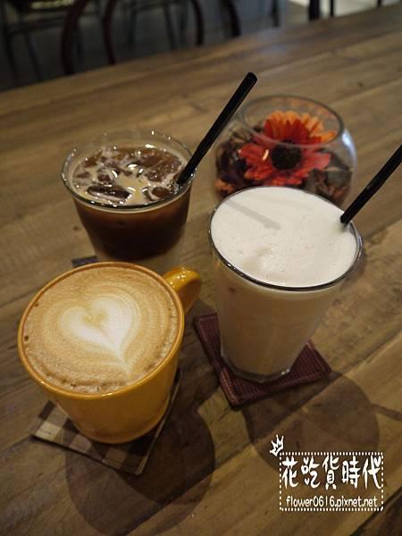Cupgaze Cafe (5).jpg
