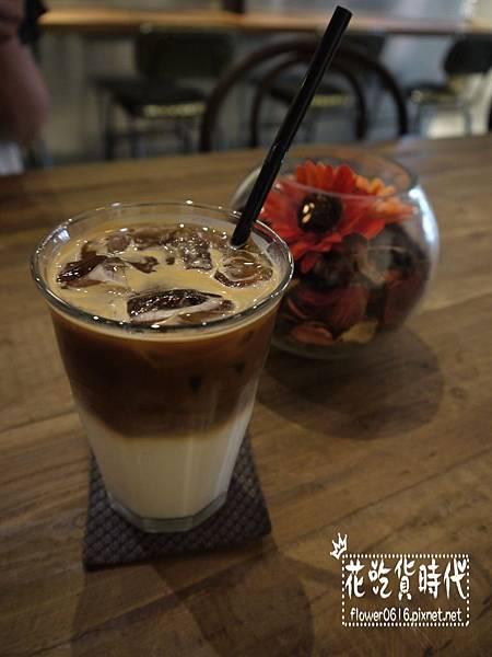 Cupgaze Cafe (2).jpg