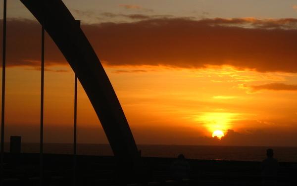 橋與日.jpg