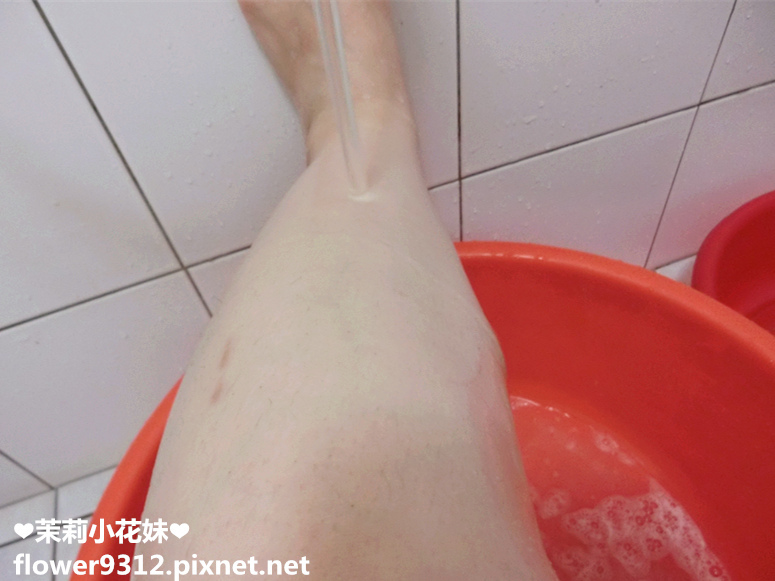 日本獅王花研親膚沐浴慕絲 (14).JPG