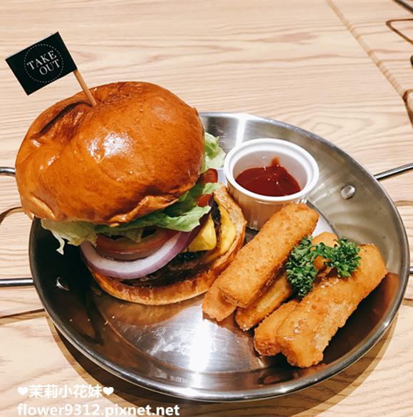 Take Out Burger&Cafe 手工漢堡 (13).JPG