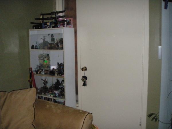 2-livingroom-4.JPG