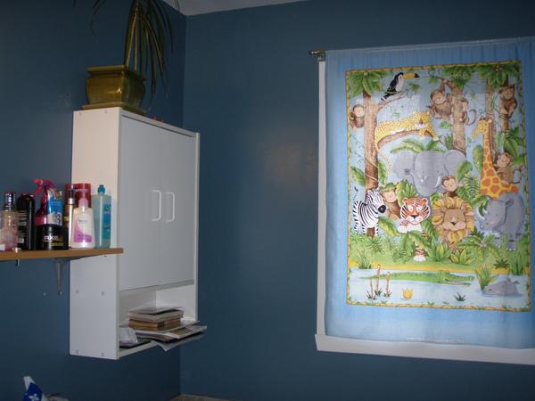 8-bathroom.JPG