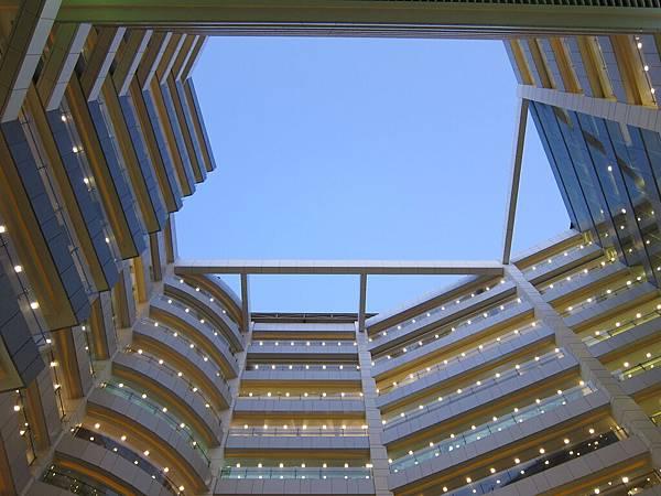新時代購物中心上方的天空~