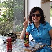 2009.08.15(8)  邊吃東西還可邊欣賞窗外的景色.jpg