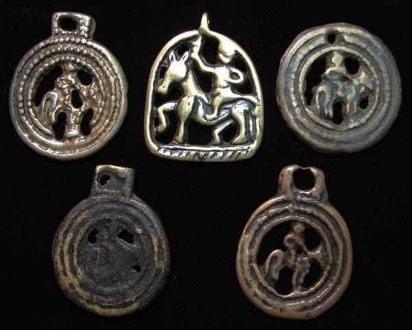 西藏人(Tibetan)深信能夠蒐集、擁有九件【藏傳老天鐵】(Thogchags),是人生最大的福報,足以產生威力驚人強大的護持力量﹗