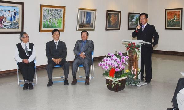 台南縣美術學會二00九會員聯展,昨天舉行開幕茶會﹗