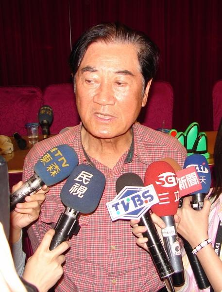 前總統府秘書長陳唐山昨天發表參選聲明強調,這是台南縣民意最昏暗的一天,同時也是陳唐山從政以來最沉重的抉擇。