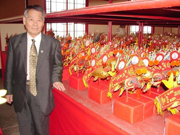 台灣第一香的西港慶安宮己丑年香科活動,連日來,除了來自全省各地分靈的鯉魚令均專程返回慶安宮參與﹁鑑醮﹂,以增強神力,並吸引大批善男信女前來參拜祈福。