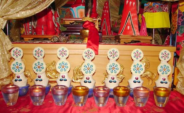 【多瑪】、【朵瑪】在【藏傳佛教】(The Buddhism of Tibet or Lamaism)是特有的宗教藝術特色,長久以來,一直扮演一種舉足輕重,不可缺少、不共殊勝的法物。