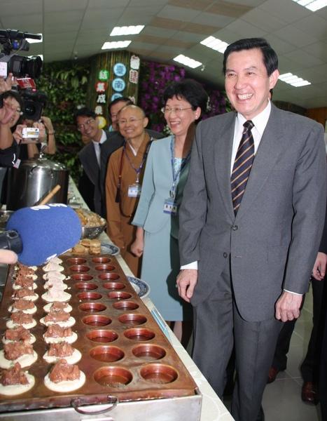 馬英九總統於四月十七日前往台南監獄明德戒治分監參訪時指出,毒犯再犯率只要降至三成,反毒就算成功。