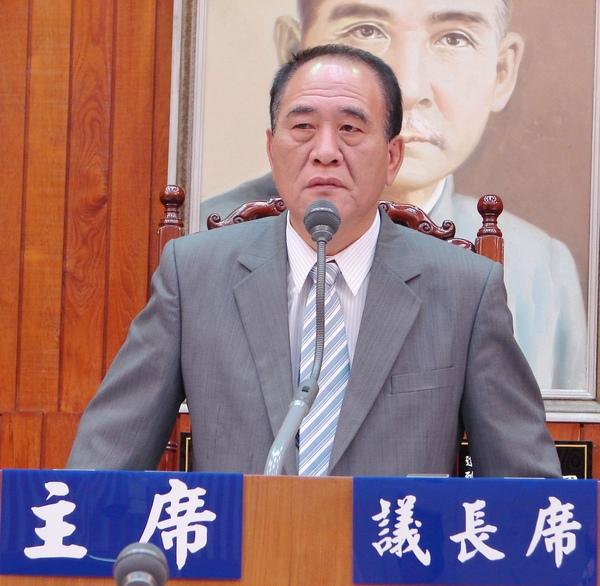 針對台南縣市通過升格案,台南縣議會議長吳健保希望中央妥善安排代表會出路。