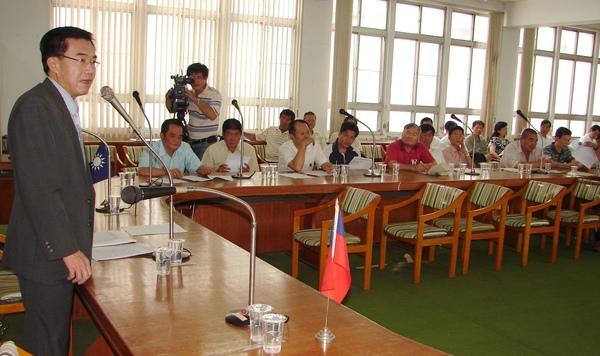 三十一鄉鎮市代表會透過國民黨台南縣黨部主委李全教,決定向馬英九總統陳情,要求訂定落日條款讓代表們再競選一屆。