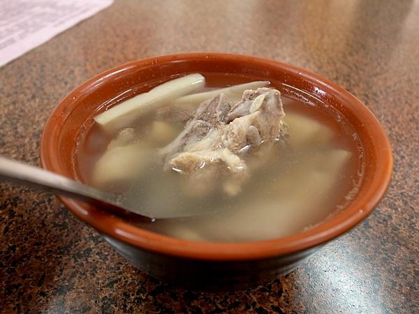 冷的竹筍湯
