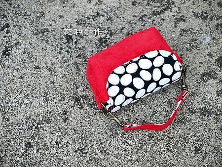 GRD相機包 紅色摩登麂皮絨 01