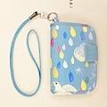 頸掛式兩用護照套|鑽石雨(天空藍)。--售出。