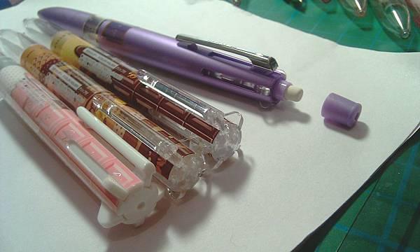UNI STYLE-FIT五色筆管V.S.甜點系列的筆頭