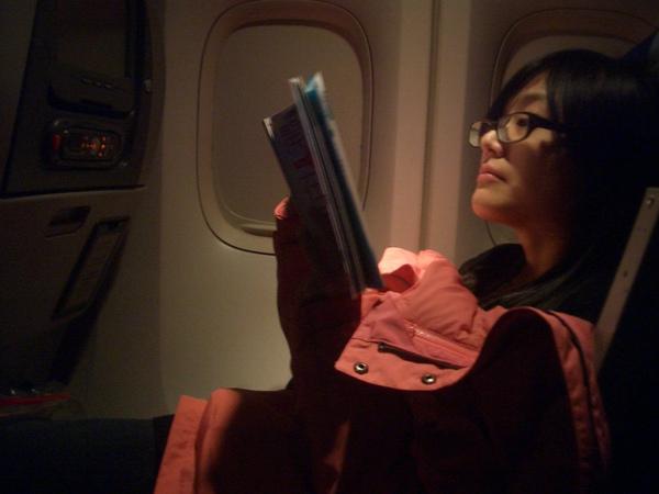 音樂設計在飛行途中,都看些什麼呢?