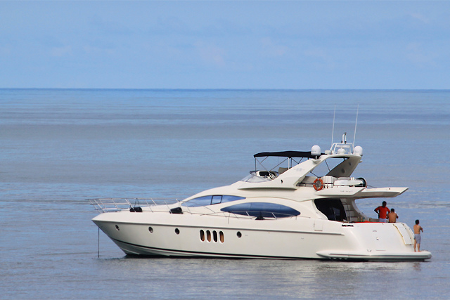 Azimut Evolution 68
