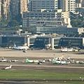 UNI Air DHC-8-311 & ATR 72-600