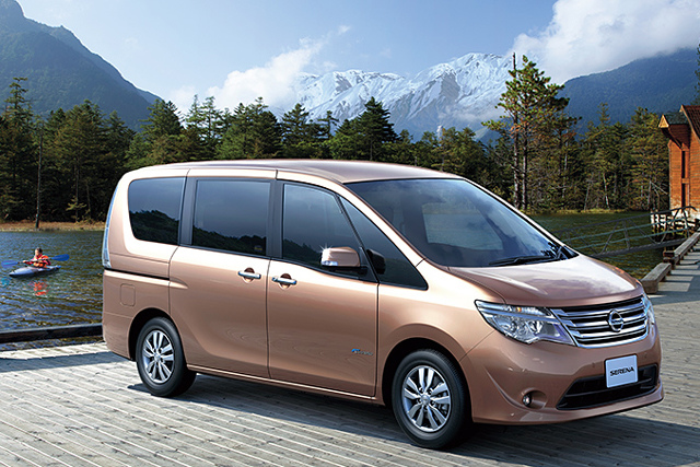 Japanese Nisson Serena 2013