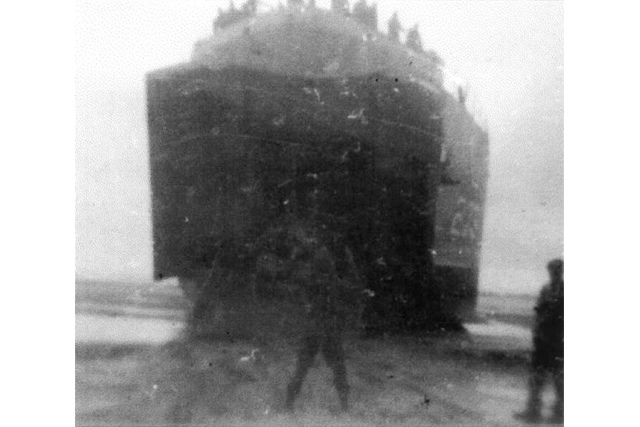 USS LST 279  Unloading Utah Beach Normandy 1944 Summer_640
