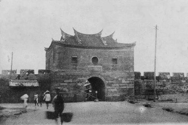 Northern Gate_re.jpg