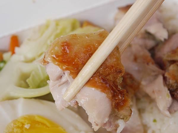 新竹美食 金山街午餐 不一樣的雞肉飯 -- (8).JPG