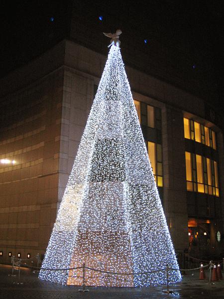 京華城前的主題聖誕樹