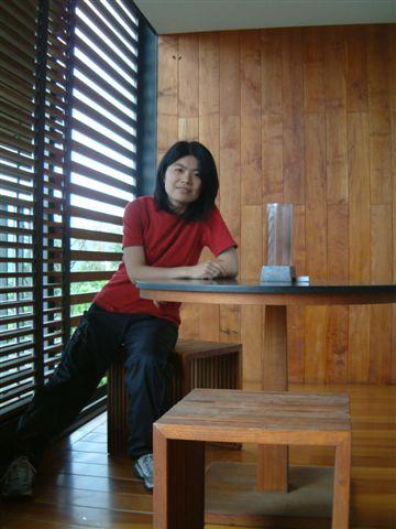 房間陽台聊天桌