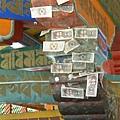 錢連在柱上.JPG