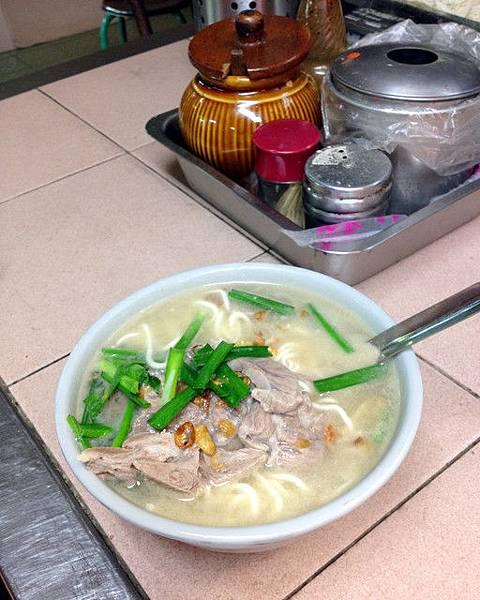 20120911 菊花肉麵 75元(細白麵)