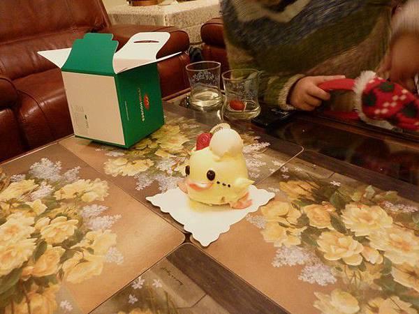 是小黃鴨蛋糕