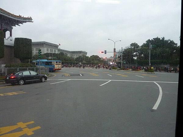 坐公車回家時經過總統府