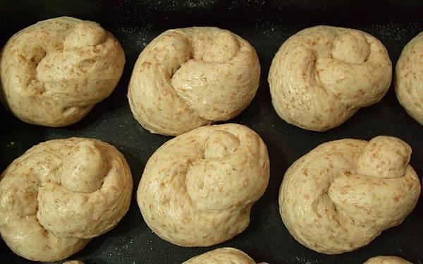 葡萄種天然酵母-全麥小麵包07