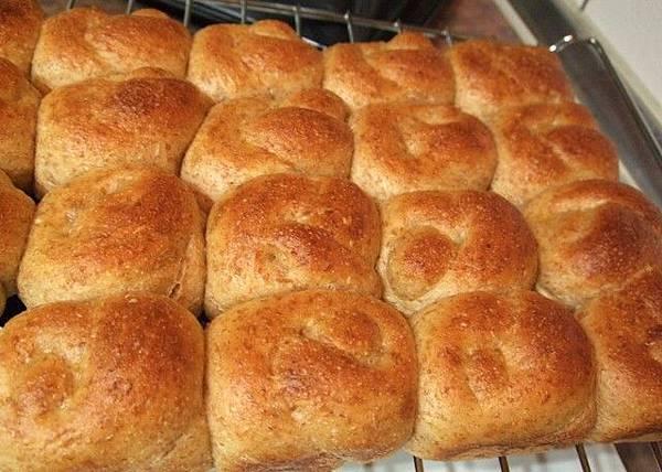 葡萄種天然酵母-全麥小麵包10