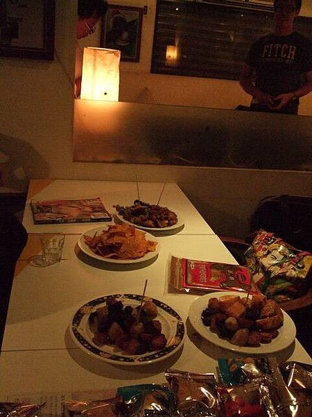 鹹酥雞+烤肉+小零食