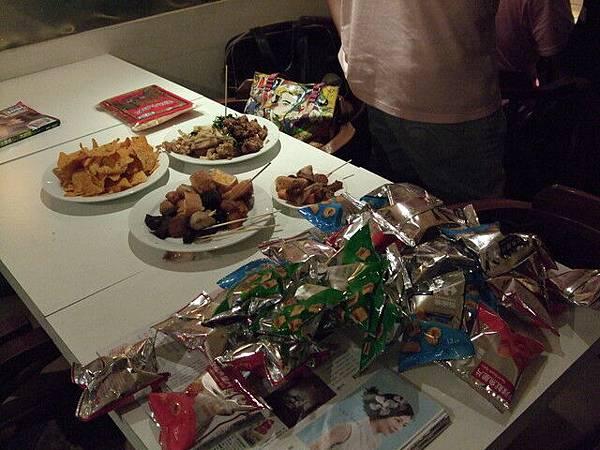 看到滿桌的食物不知道為啥就是很滿足