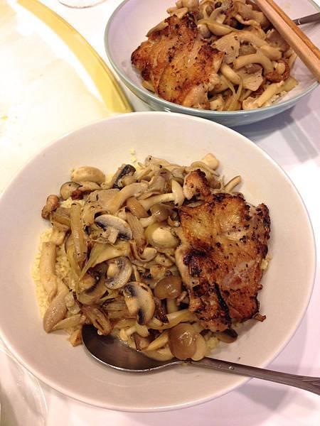 煎雞腿+炒菇+庫司庫司