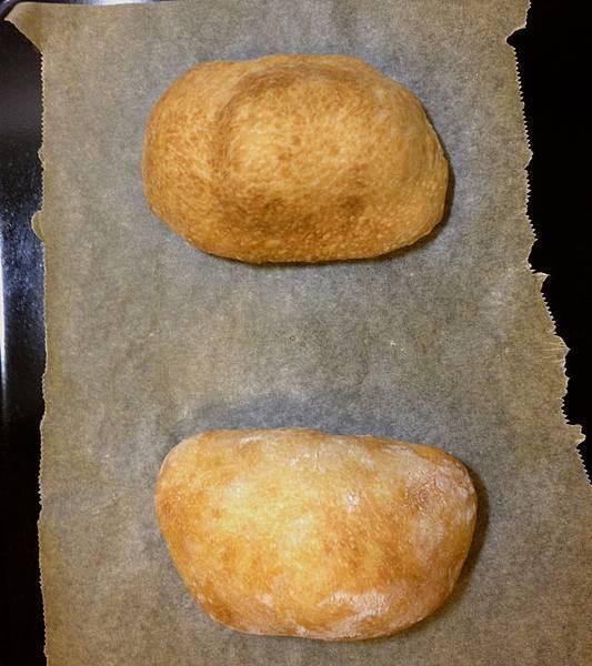 烤完變這樣,上表皮會蓬起來很像口袋麵包><