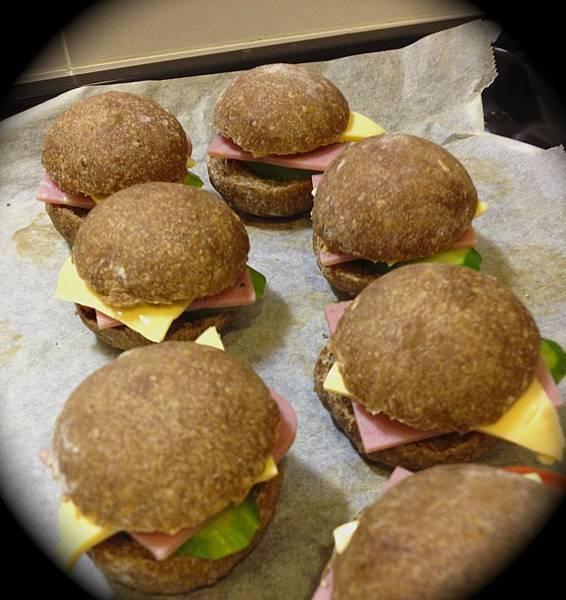 自家烘焙-雜糧火腿起司堡