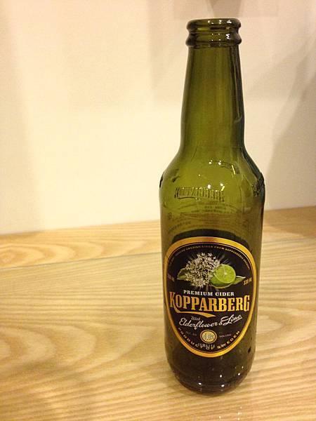 瑞典庫伯格水果酒 接骨木花 alc.4%