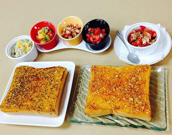 成品-莎莎醬、鮪魚醬、蒜香厚片