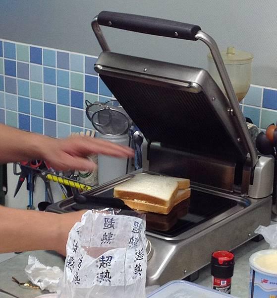 熱壓三明治