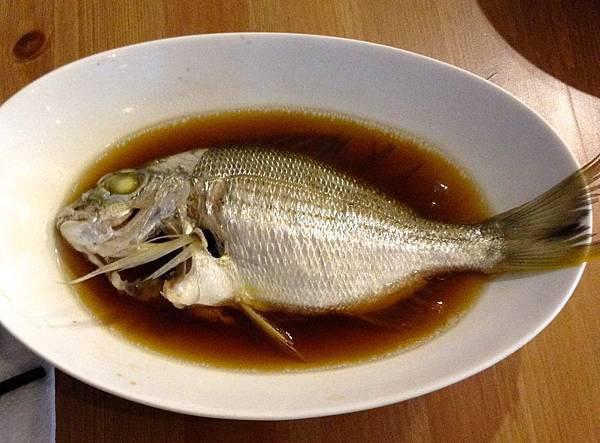 清蒸黃鰭鯛